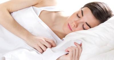 5 Alasan Penting Tidur Cukup Mama