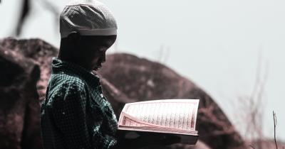 Mengajarkan Anak Bacaan Surat Al Fatihah Beserta Keutamaannya