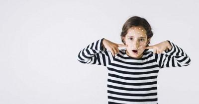 5 Alasan Wajah Anak Remaja Mudah Jerawatan, Hindari Kebiasaan Ini