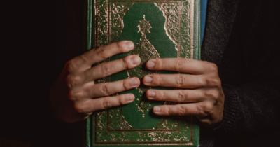 Macam-Macam Doa Kedua Orangtua Perlu Diajarkan ke Anak