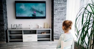 5 Pilihan Smart TV Terbaik untuk Keluarga di Rumah