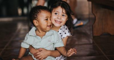 Mama Perlu Tahu, Cara Mendidik Anak untuk Mengenali Identitas Gender