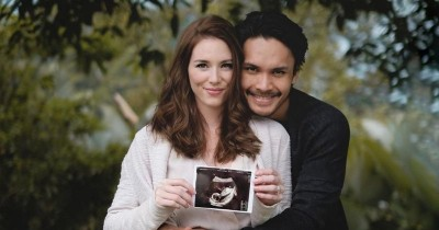 Setahun Lebih Menikah, Istri Randy Pangalila Hamil Anak Pertama