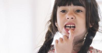 Jangan Panik Hal Perlu Dilakukan Jika Gigi Anak Lepas saat Main