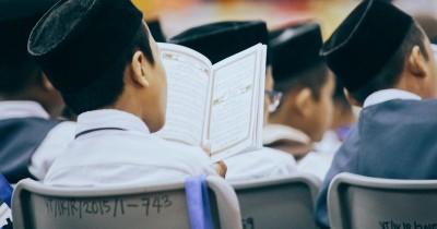 Bikin Adem, Makna Lirik Sholawat Allahul Kafi Viral TikTok