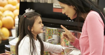 Bisa Fatal, Ini 6 Alasan Dilarang Memarahi Anak Tempat Umum