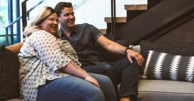 Lebih Nikmat Ini 5 Posisi Bercinta Suami Istri Bertubuh Gemuk