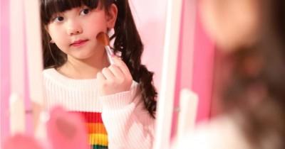 Sering Dibilang Centil, Bolehkan Anak Merias Diri Sejak Kecil