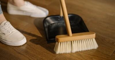 Cara Membersihkan Rumah Mama Alergi Debu