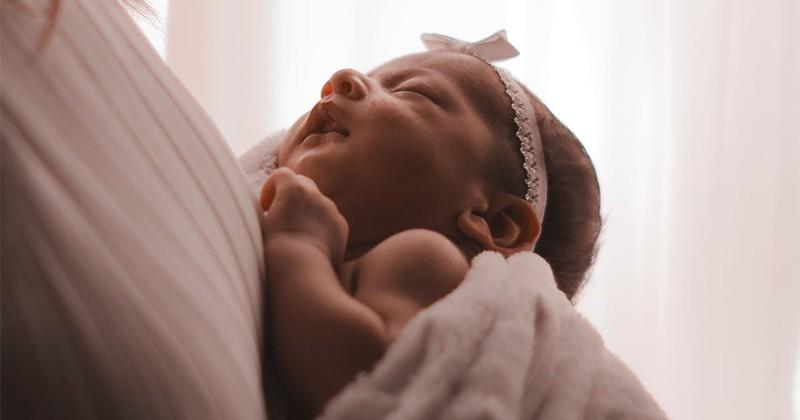 10 Arti Mimpi Gendong Bayi Perempuan Laki Laki Atau Kembar Popmama Com
