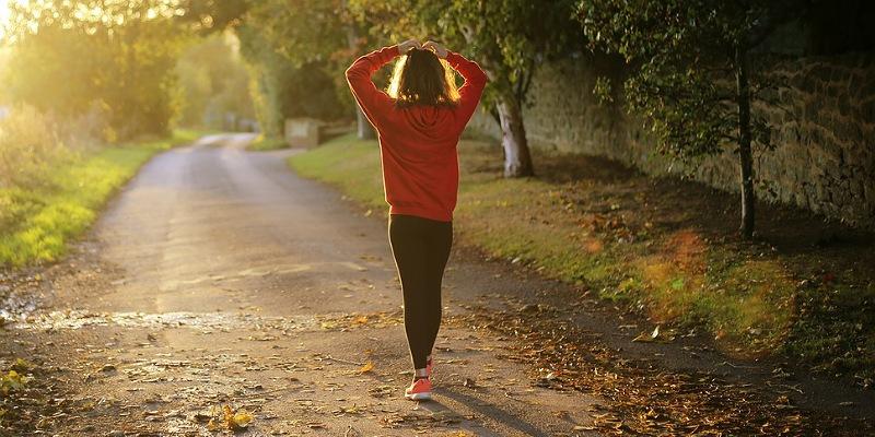 2. Berjalan kaki disarankan kesehatan baik