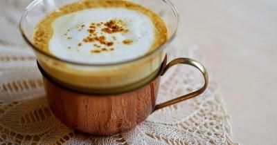 Resep Golden Latte Kopi Enak Sehat Campuran Susu Almond