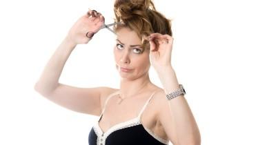 Salah Potong Rambut Sendiri? Tenang, Perbaiki dengan 5 Cara Ini