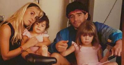 Wafat Usia 60 Tahun, Ini 7 Potret Maradona Keluarga