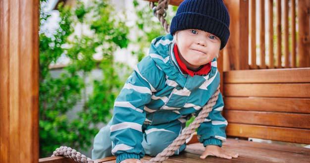 5. Tak jarang, ada kelainan genetik memengaruhi kondisi fisik psikologis anak