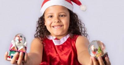 Menyambut Natal, Yuk Coba Buat Snow Globe Bersama Anak