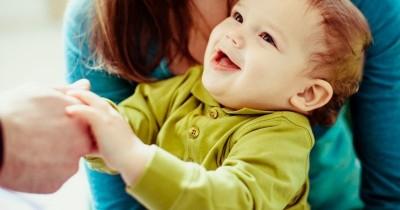 Bayi Umur 9 Bulan Belum Tumbuh Gigi, Apa Penyebabnya?