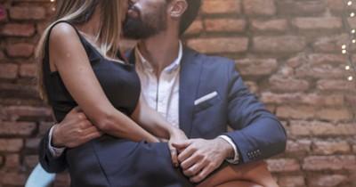 Tanpa Buka Baju, 5 Posisi Bercinta Ini Bikin Lebih Intim Panas