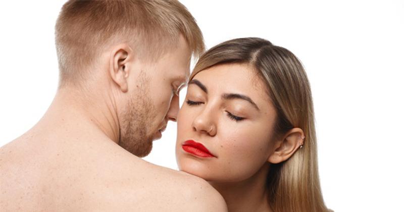 6. Hindari jenis lipstick salah
