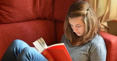 Tak Ha Menambah Pengetahuan, Ini 5 Manfaat Membaca Buku Setiap Hari
