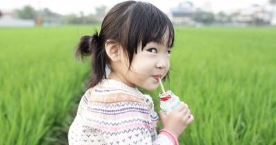 Bolehkah Anak Umur 2 Tahun Minum Yakult?