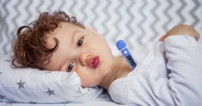 Bayi Susah Minum Obat, Bolehkah Mencampur Obat Susu Formula