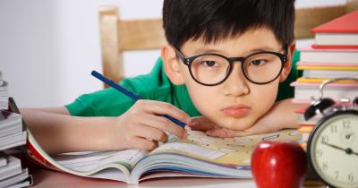 7 Rekomendasi Vitamin Mata Minus Anak
