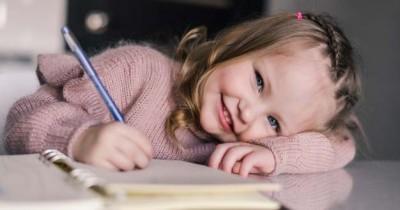3 Cara Mendorong Harga Diri Anak Berdasarkan Usianya