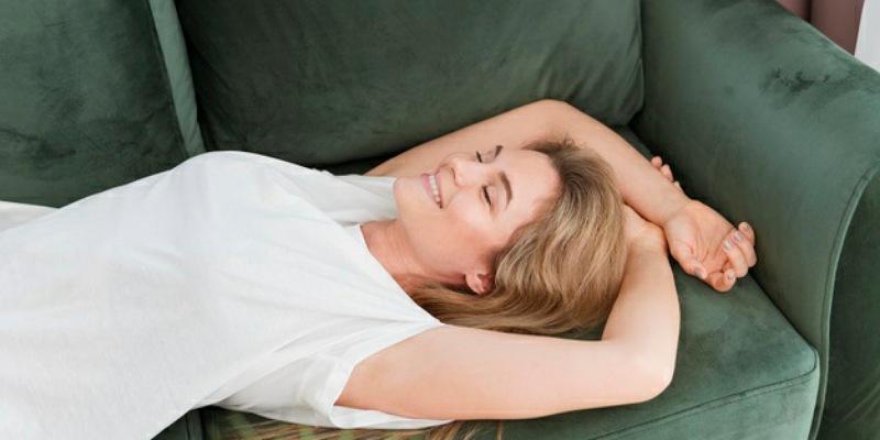 3. Hindari stres tidur cukup