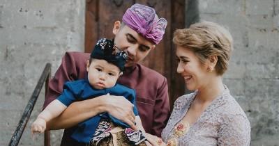 Tradisi Bali, Westny Dj Buat Upacara Otonan saat Usia Anaknya 210 Hari