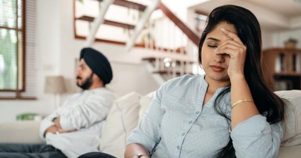 5 Cara Menghadapi Pasangan Yang Cuek Popmama Com