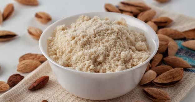 1. Bahan-bahan waffle almond perlu Mama siapkan