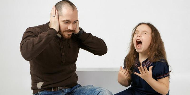 5. Suami mudah memarahi anak