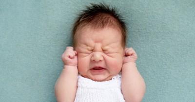 Bayi Sering Rewel, Bolehkah Diberi Gripe Water