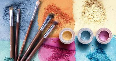 7 Rekomendasi Merek Makeup yang Aman untuk Anak