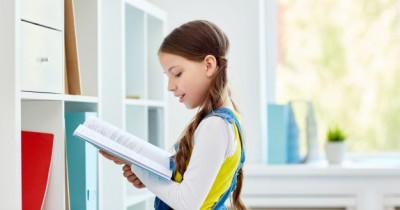 10 Cara Menumbuhkan Hobi Membaca Anak Remaja