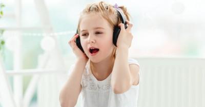 Mengapa Anak Lebih Mudah Menghafal Lagu Daripada Pelajaran