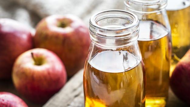 5. Cuka sari apel dari fermentasi apel