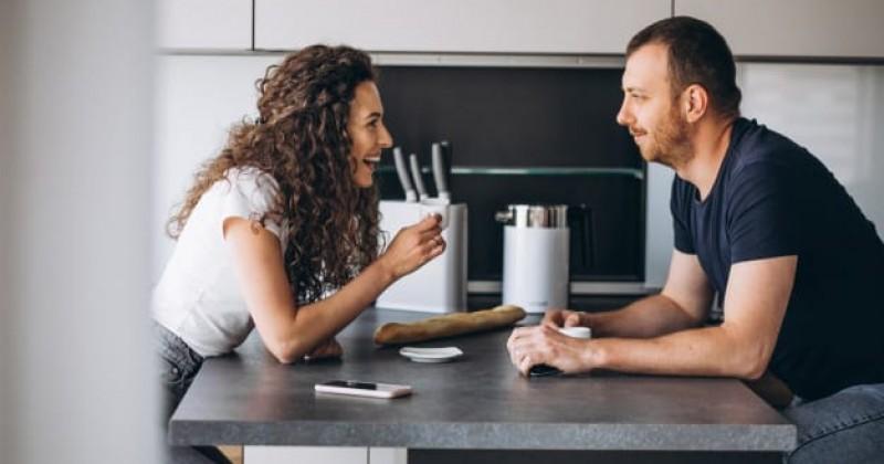 5 Alasan Kamu Harus Jujur dan Terbuka dengan Pasangan   Popmama.com