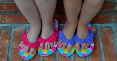 9 Rekomendasi Merek Sandal Anak Perempuan