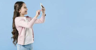 Seru! Yuk Ajarkan Anak Membuat Foto Artsy Menggunakan Smartphone
