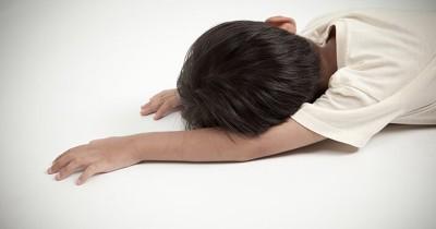 Jangan Langsung Panik, Ini Pertolongan Pertama saat Anak Jatuh Pingsan