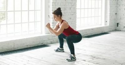 5 Manfaat Gerakan Squat Jump Kesehatan Perempuan