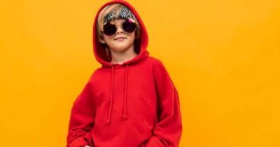 7 Rekomendasi Hoodie Anak Laki-Laki agar Tampil Kece