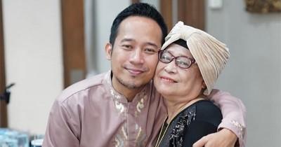 Ibunda Denny Cagur Meninggal Dunia, Sahabat Artis Turut Berduka