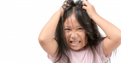 10 Cara Mengatasi Rambut Berminyak pada Remaja