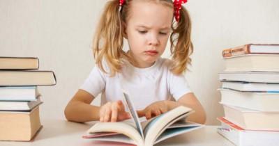 Anak Umur 7 Tahun Belum Bisa Membaca, Mengapa
