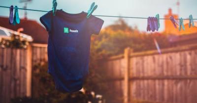 9 Rekomendasi Merek Pewangi Pakaian Bayi Aman