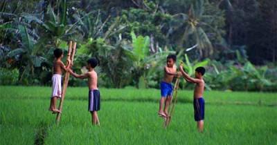 7 Permainan Tradisional Khas Sunda Anak Bermain