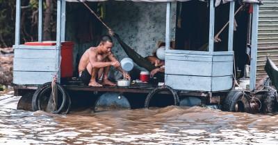 Hujan Membanjiri Jakarta Sekitarnya, Bekasi hingga 1 Meter